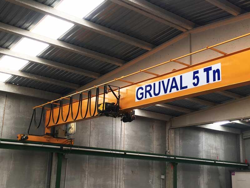 suministro-y-montaje-de-equipos-nuevos - Puentes Grúa, Polipastos y Plumas giratorias